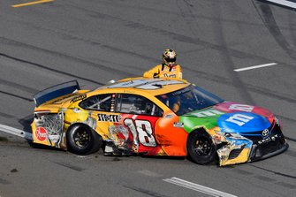 Kyle Busch, Joe Gibbs Racing, Toyota Camry M&M's wreck