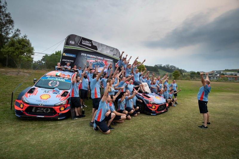 Celebración del campeonato de equipos de Hyundai Motorsport