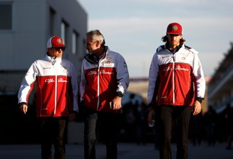 Kimi Raikkonen, Alfa Romeo Racing, Beat Zehnder, Team Manager, Alfa Romeo Racing, and Antonio Giovinazzi, Alfa Romeo Racing