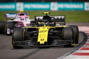 Nico Hulkenberg, Renault F1 Team R.S. 19, leads Lance Stroll, Racing Point RP19