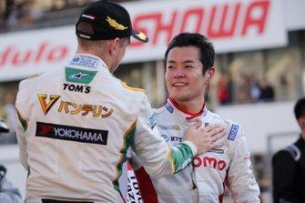 Наоки Ямамото, DoCoMo Team Dandelion Racing, и Ник Кэссиди, Vantelin Team TOM'S