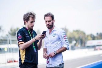 Jean-Eric Vergne, DS Techeetah talks to a DS Techeetah Team