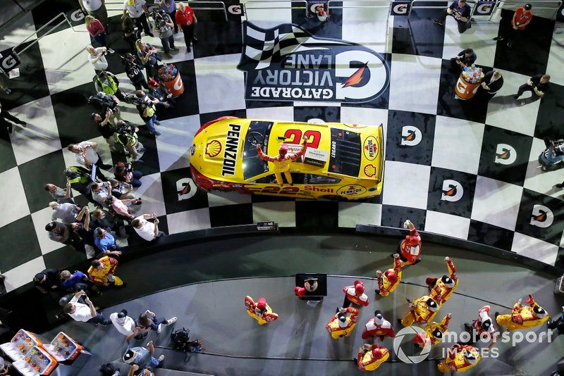 Duel 1: 1. Joey Logano, Team Penske, Ford Mustang Shell Pennzoil
