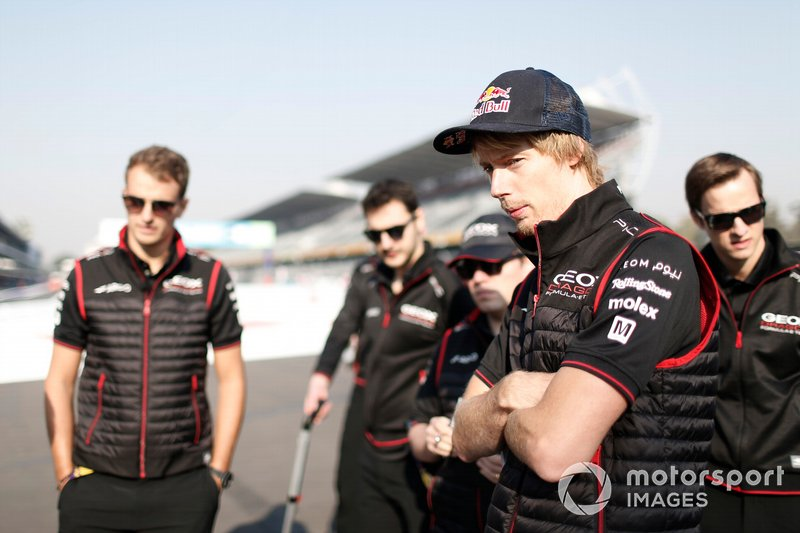 Brendon Hartley, Dragon Racing walks the track with members of his team