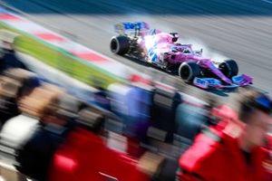 Sergio Perez, Racing Point RP20, locks up