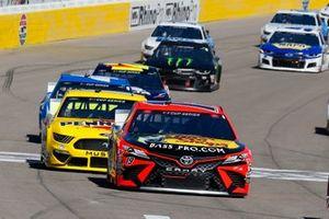 Martin Truex Jr., Joe Gibbs Racing, Toyota Camry Bass Pro Shops, Ryan Blaney, Team Penske, Ford Mustang Menards/Pennzoil