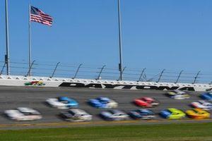 Denny Hamlin, Joe Gibbs Racing, Toyota Camry FedEx Express, Aric Almirola, Stewart-Haas Racing, Ford Mustang Smithfield, Ryan Newman, Roush Fenway Racing, Ford Mustang Koch Industries