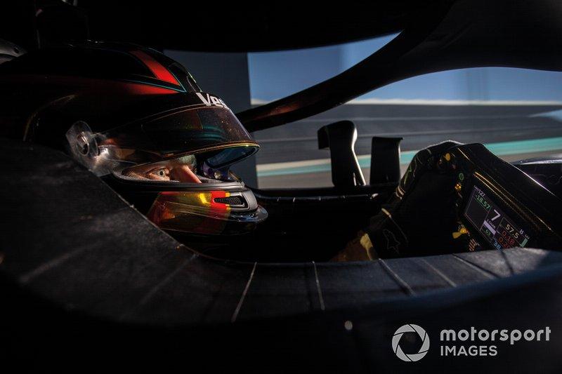 Stoffel Vandoorne, en el simulador de Mercedes AMG en Silverstone