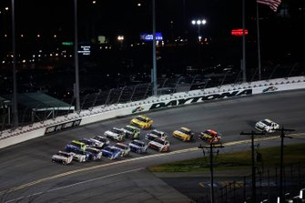 Denny Hamlin, Joe Gibbs Racing, Toyota Camry FedEx Express, Ryan Newman, Roush Fenway Racing, Ford Mustang Koch Industries, Ryan Blaney, Team Penske, Ford Mustang Menards / Peak, last corner of second to last lap