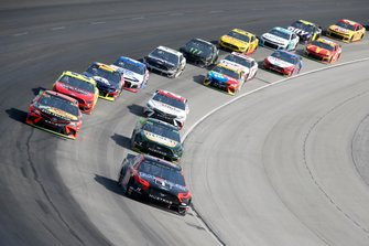 Clint Bowyer, Stewart-Haas Racing, Ford Mustang Mobil 1 / Rush Truck Centers, Martin Truex Jr., Joe Gibbs Racing, Toyota Camry Bass Pro Shops