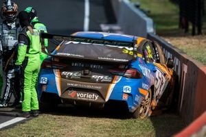 Crash: Todd Hazelwood, Matt Stone Racing Ford