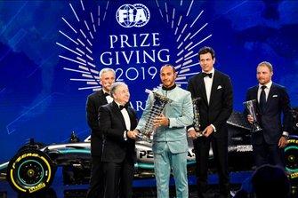 Lewis Hamilton et Jean Todt, président FIA