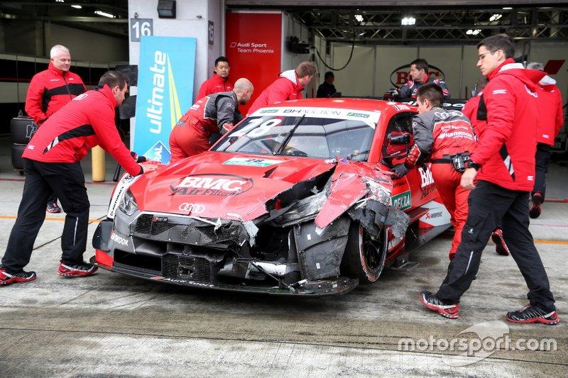 Audi RS5 Лоика Дюваля после аварии перед стартом совместной гонки Super GT и DTM на «Фудзи»