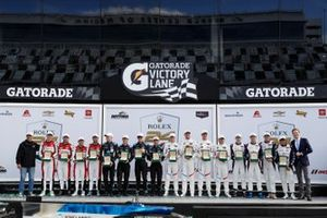Gruppenfoto Klassensieger: #48 Paul Miller Racing, #10 Wayne Taylor Racing, #24 BMW Team RLL, #81 DragonSpeed USA