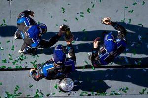 Ganadores #10 Wayne Taylor Racing Cadillac DPi: Renger Van Der Zande, Ryan Briscoe, Scott Dixon