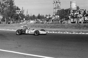 Bruce McLaren, McLaren