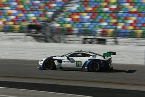 #98 Aston Martin Racing Aston Martin Vantage GT3: Pedro Lamy, Ross Gunn, Mathias Lauda