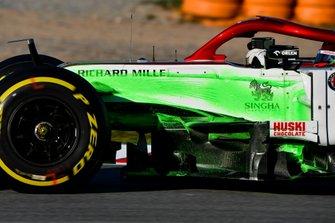 Kimi Raikkonen, Alfa Romeo Racing C39 con la vernice aerodinamica