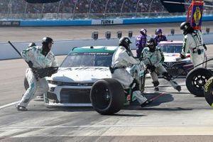 Chase Elliott, Hendrick Motorsports, Chevrolet Camaro Unifirst, makes a pit stop