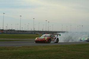 #9 Pfaff Motorsports Porsche 911 GT3 R: Dennis Olsen, Zacharie Robichon, Lars Kern, Patrick Pilet