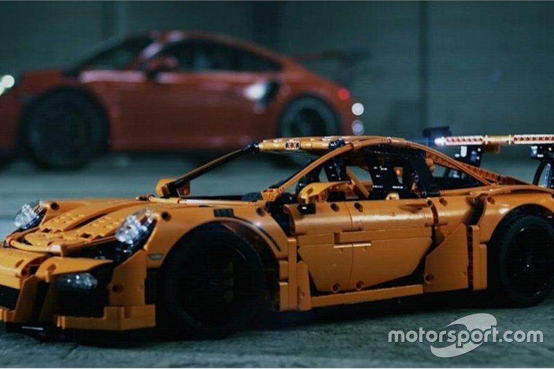 Supercar e non solo, ecco le auto LEGO più cool di sempre