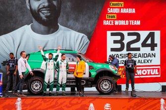 رقم 324 فريق أكس رايد ميني: ياسر سيادان وكوزميتش أليكس