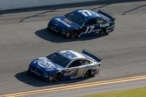 Kevin Harvick, Stewart-Haas Racing, Ford Mustang Busch Light #PIT4BUSCH, Chris Buescher, Roush Fenway Racing, Ford Mustang Fastenal