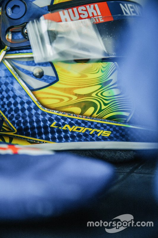 El casco de Lando Norris para el GP de Abu Dhabi