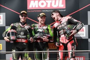 Podium: 1. Alex Lowes, 2. Jonathan Rea, 3. Scott Redding