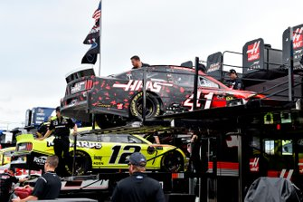 Ryan Blaney, Team Penske, Ford Mustang Menards/Richmond, Daniel Suarez, Stewart-Haas Racing, Ford Mustang Haas Automation