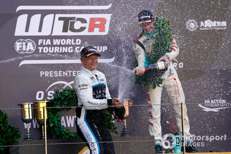 Podium: Race winner Andy Priaulx, Cyan Performance Lynk & Co 03 TCR, third place Jean-Karl Vernay, Leopard Racing Team Audi Sport Audi RS 3 LMS