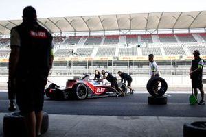 Edoardo Mortara, Venturi, EQ Silver Arrow 01 nella pit lane
