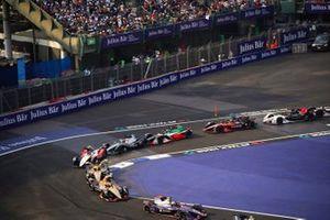 Sam Bird, Virgin Racing, Audi e-tron FE06, Jean-Eric Vergne, DS Techeetah, DS E-Tense FE20, Antonio Felix da Costa, DS Techeetah, DS E-Tense FE20