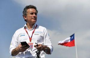 Alejandro Agag, président de la Formule E, sur le podium