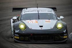 #88 Proton Competition Porsche 911 RSR: Richard Lietz, Gianluca Roda, Christian Ried