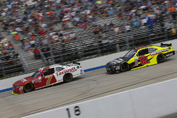 Justin Allgaier, JR Motorsports Chevrolet, und Paul Menard, Richard Childress Racing Chevrolet