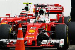Sebastian Vettel, Ferrari SF16-H ve Kimi Raikkonen, Ferrari SF16-H, parc ferme