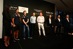 Daniel Ricciardo, Daniil Kvyat, Red Bull Racing with Ian Minards, Director of Product Development A