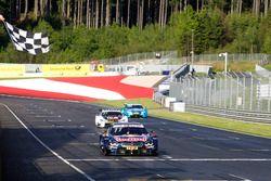 Checkered flag for Marco Wittmann, BMW Team RMG, BMW M4 DTM