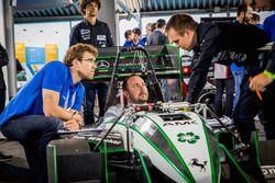#026 Greenteam Stuttgart tijdens de wetpad op FSG