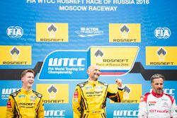 Подиум: Габриэле Тарквини, Lada Sport Rosneft, Lada Vesta (победитель); Ники Катсбург, Lada Sport Ro