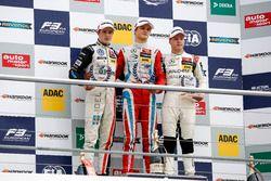 Rookie Podium: first place Ralf Aron, Prema Powerteam Dallara F312 - Mercedes-Benz; second place Joe