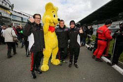 #6 Haribo Racing Team, Mercedes-AMG GT3: Lance David Arnold, Maximilian Götz, Jan Seyffarth