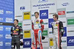 Podio: segundo lugar Niko Kari, Motopark Dallara F312 – Volkswagen; Ganador Ralf Aron, Prema Powerte