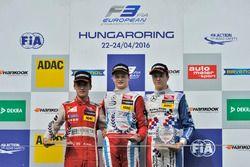 Rookie podium: second place Guanyu Zhou, Motopark Dallara F312 – Volkswagen; Winner Ralf Aron, Prema