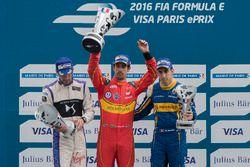 Podium: Sieger Lucas di Grassi, ABT Schaeffler Audi Sport; 2. Jean-Eric Vergne, DS Virgin Racing; 3.