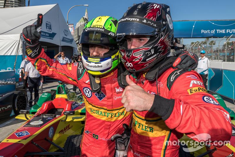 El ganador Lucas di Grassi, de Schaeffler de ABT Audi Sport, con su compañero de equipo en tercer lugar, Daniel Abt