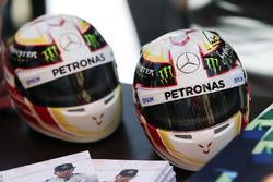 Mini cascos de Lewis Hamilton, Mercedes AMG F1 Team