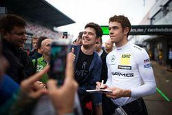 Paul Di Resta, Mercedes-AMG Team HWA, Mercedes-AMG C63 DTM, mit Fans