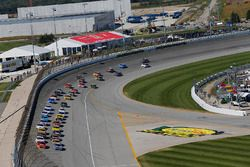 Jimmie Johnson, Hendrick Motorsports, Chevrolet; Alex Bowman, Hendrick Motorsports, Chevrolet